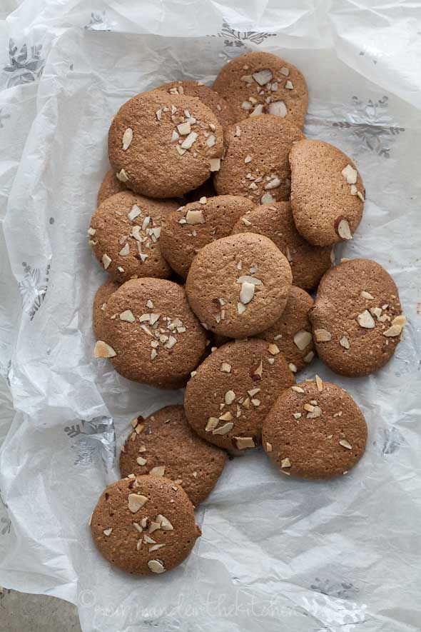 Crunchy almond cookies (gluten free, grain free, paleo friendly)
