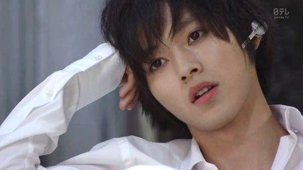 "Kento Yamazaki, Ep.2, 07/12/'15 [Trailer, Ep.3] https://www.youtube.com/watch?v=_438pfBQvK8 Kento Yamazaki, Masataka Kubota, Mio Yuki, Hinako Sano. J drama series ""Death Note""."