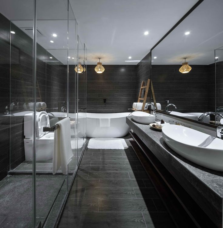 Black and white bathroom inspiration.