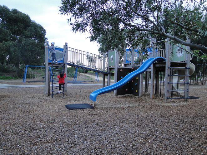 Clayton South:Heatherton Park - troll playground