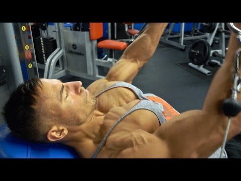 Mike Thurston Trains Chest & Talks About How To Maximise Growth - YouTube