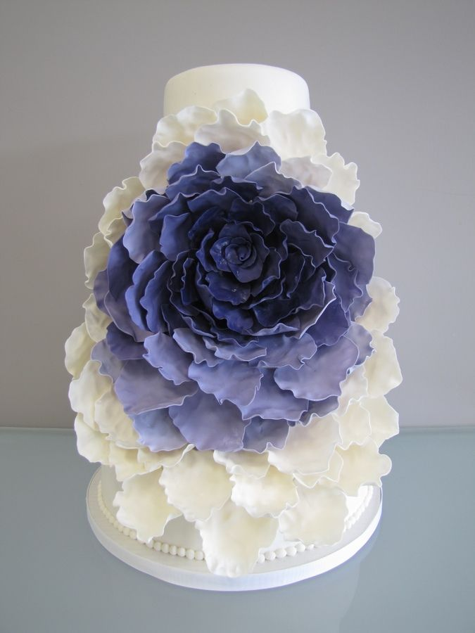 Green and Black Wedding cake — Round Wedding Cakes