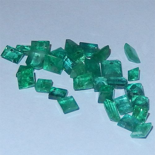 6.03 Karat kolumbianische Smaragde  Kolumbianische Smaragde vom Juwelierhaus Abt in Dortmund.  #smaragd #kolumbien #edelstein #juwelier #abt #dortmund