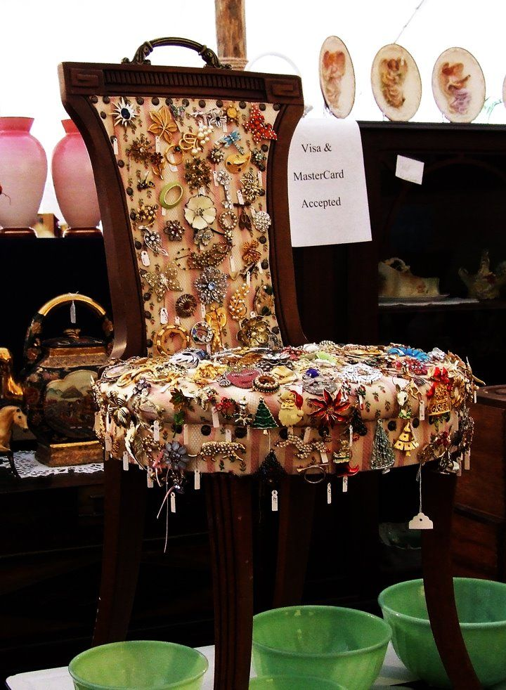 please sir: Display Ideas at Antique Spectacular.  What a cool and unexpected display piece!