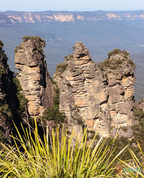 """Visit the """"Three Sisters"""" at The Blue Mountains near Sydney, Australia"""