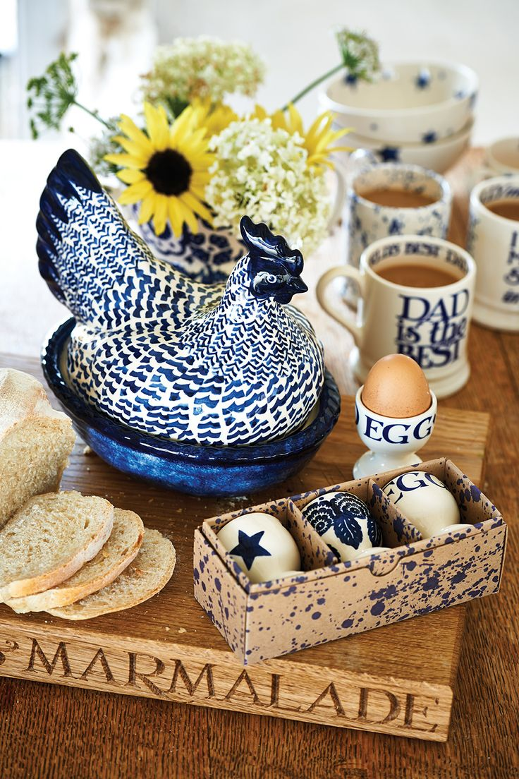 Blue Hen on Nest http://www.emmabridgewater.co.uk/invt/1bhb020176