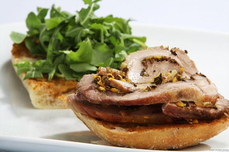 Мясной рулет и итальянский сэндвич Porchetta