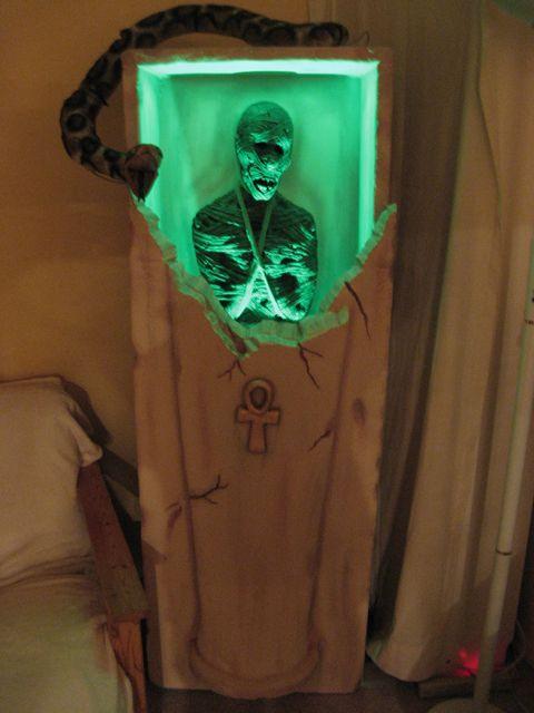 Alien Decoration Of 100 Best Mummy 39 S Tomb Haunt Images On Pinterest