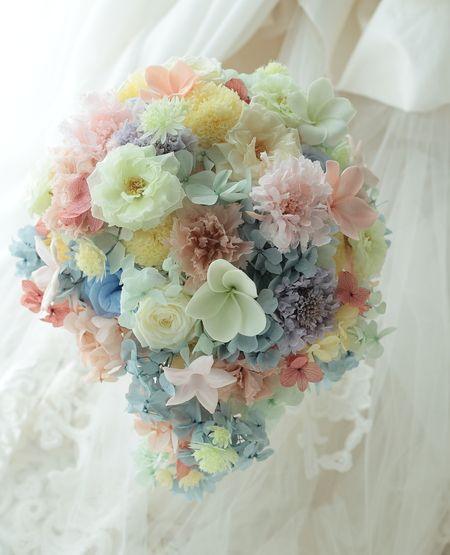 ティアドロップブーケと花のカチューシャとリストレット 虹のように 滋賀へ : 一会 ウエディングの花