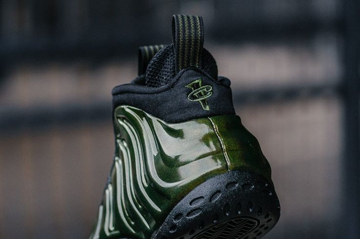 Product Name: Nike Air Foamposite One 'Legion Green' 314996-301  Specifications: The legend grows with this latest Foamposite release. With a stunning iridescent Legion Green upper that brings a spark of life into the sneaker, with a contrasting Black outsole and sock liner.  The Foamposite holds distinct features thanks to its moulded upper. They are a cult classic and if you are into Foams you know these are a definite pick up.  Colourway: Legion Green / Black  Product Number: 314996-301