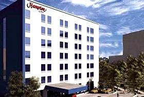 Hotel Hampton Inn Guadalajara/Expo, Guadalajara, Jalisco - Esquina. Av. López Mateos. A 5 minutos de Expo Guadalajara.