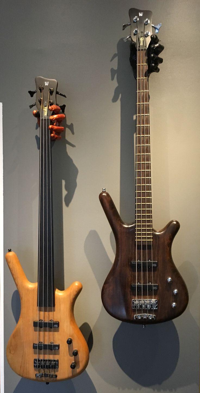 Frets or no frets?   warwick corvette bass fretless warwickbass guitargrip