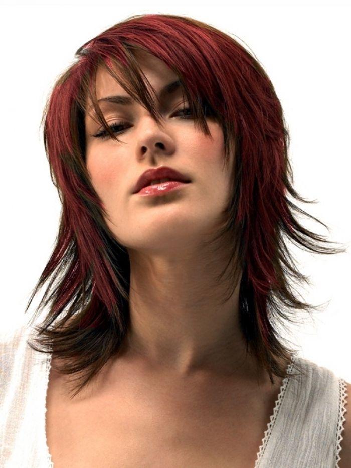 Layered Medium Hairstyles ~ http://wowhairstyle.com/layered-medium-hairstyles/