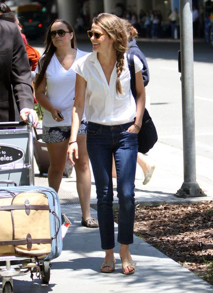 Keri Russell looking perfectly casual in a white blouse, skinny jeans, and Worishofer sandals.