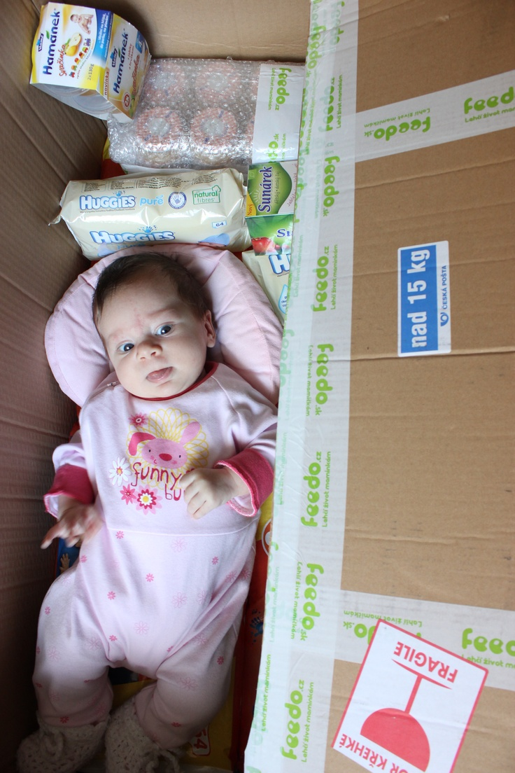 Teraz sa tu ešte zmestím, ale čoskoro mi bude táto škatuľa malá! :)