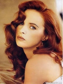 Sheena Easton. Loved her in the 80s!
