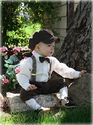 Adorable Dapperlads outfit. Great idea for toddler boy pictures.