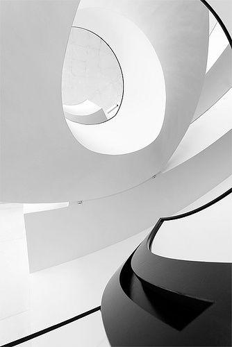 curves: neues museum nüremberg via: melanieseganos