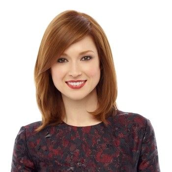 Ellie Kemper looks very young normally, but this and the next look makes her seem more mature. Given how ruffly my dress is for the wedding, it might be good to make me look a little older :)