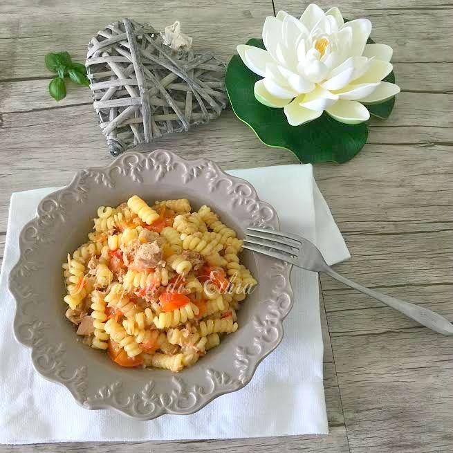Pasta tonno pomodori e basilico ricetta veloce-I Sapori di Ethra