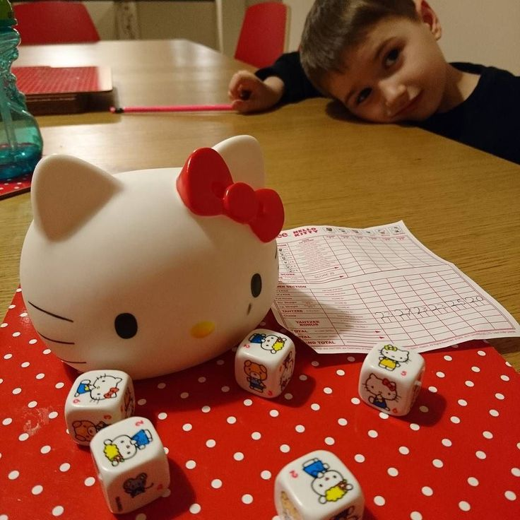 I love it now that the Beans are old enough to play #yahtzee it's one of my favourite games from childhood and great for improving their #maths too  #homelearning #familygames #familytime