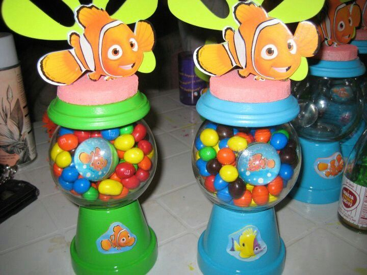 Finding nemo centerpieces google search birthday party for Nemo decorations