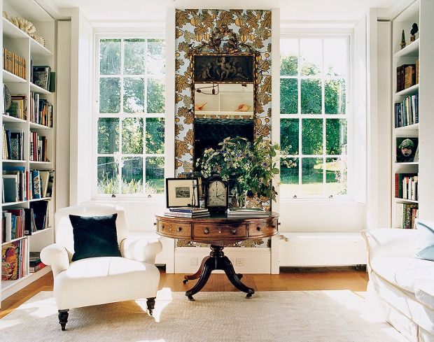 Love this round table from a lovingly restored classic Georgian Rectory, set in the beautiful English countryside.