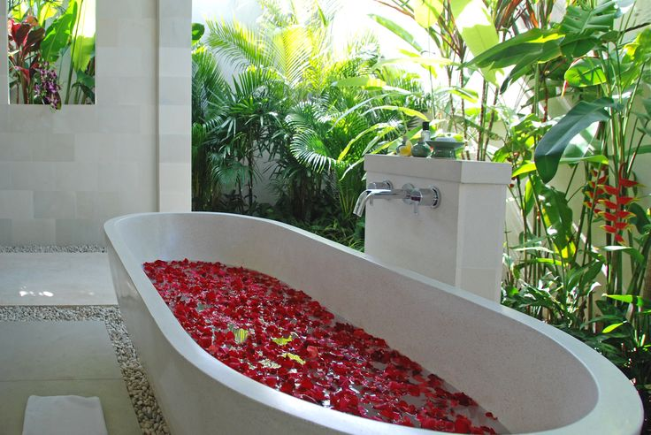 Ferienvilla in Bali - Luxury Villa in Bali starting at 264€/Day - www.casalio.com - Enjoy fabulous holidays w/ a luxury villa in Bali starting at 264€/Day. #Villa Sadewa in #Bali has 2 bedrooms, its own private staff, professional chef, pool surrounded by lush tropical gardens and superb views from terraced rice paddies near Berawa Beach on Bali's south-west coast. bit.ly/Casalio-Villa-Sadewa-Bali  - www.casalio.com -    #casalio #casaliotravel #luxuryvilla #reisen #balivilla #ferien