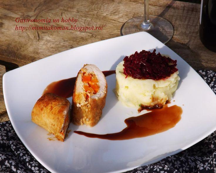 Gastronomia-un hobby: Muschi de porc umplut cu branza si legume asezonat cu un sos de vin rosu si otet balsamic