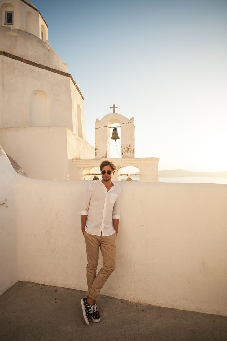 Eva Rendl Portrait & Lifestyle Photography#santoriniphotography #photoshoot #santorini #portrait #santoriniphotographer #greekisland #fira