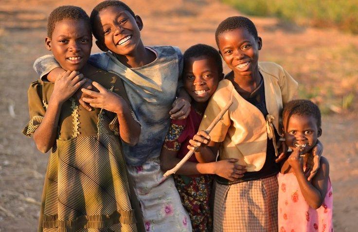 Начались первые строительные работы детского комплекса миссии«Трансформация Африки»в городе Какамега (Кения), рассчитанного на 96 сирот,сообщает 316news со ссылкой наinvictory.comи пресс-центрслужения. На протяжении 2016 года миссионеры планировали купить землю для строительства детского дома