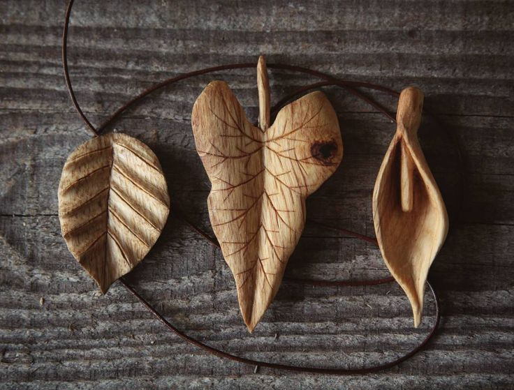 Three new pendants now available in my Etsy shop. A Beech leaf, Cuckoo's Pint leaf and the Cuckoo's Pint flower pendant, all carved in English Oak. Search for 'Giles Newman Etsy' for more details or follow the link in my profile. #pendant #talisman #pagan #druid #wiccan #handcarved #jewellery #handmade #spiritual #woodcraft #greenwood #woodlandcraft #handcarving #whittling #carving #rustic #countryside #nature #naturelovers #craftwork #maker #woodcarver #etsy #slowlife #boho #bohemian…