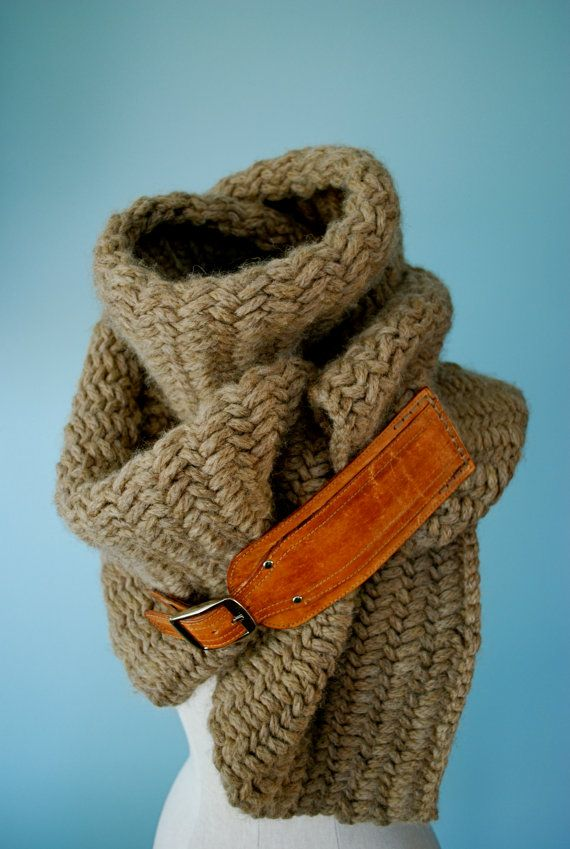 Herringbone chunky scarf with leather buckle