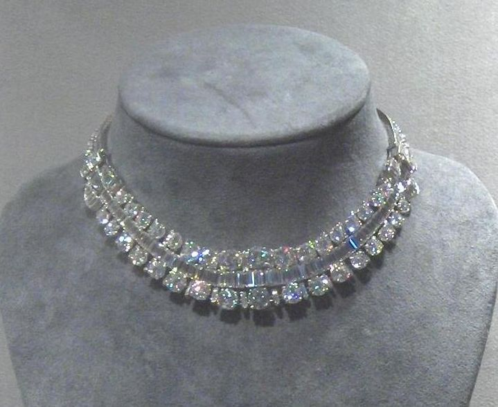 The diamond tiara necklace, given by the Belgian Congo to Grand Duchess Josephine Charlotte when she married, and made by Van Cleef & Arpels. Later loaned to her daughter-in-law for her wedding.