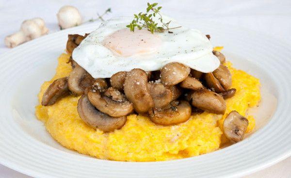 Мамалыга с сыром, грибами и яйцом — Кулинарный Рай