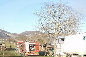 Umbria: A #fuoco #balle di fieno (link: http://ift.tt/2n1Ne7E )