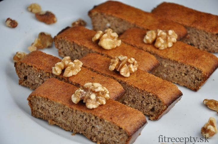 Jedoduchý zdravý orechový koláč bez múky z 3 ingrediencií - FitRecepty