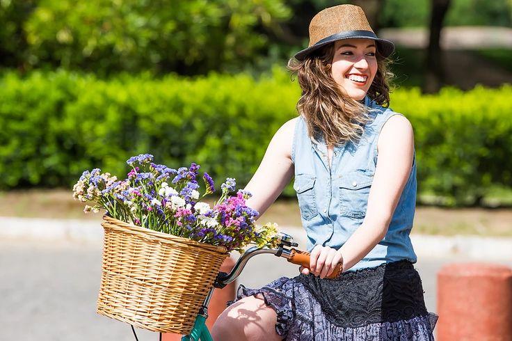 Bicicleta Urbana Summer, estilo retrô / vintage, marca Art Trike, verde agua, feminina, diferente, cesta vime, flores, decoração