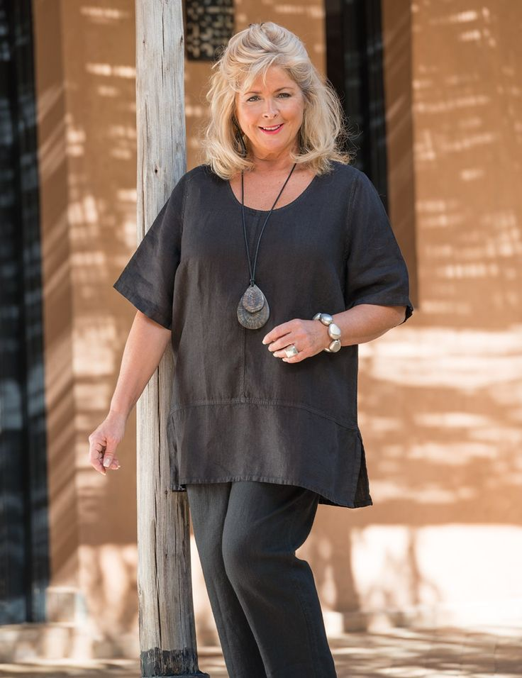 Box+2+black+linen+round+neck+top