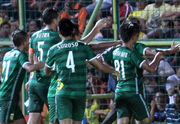 Prediksi Bhayangkara vs Barito Putera 10 September 2016. Bhayangkara Surabaya United berharap tren positifnya tetap terjaga saat menjamu Barito, Sabtu (10/9) 16:00 WIB.  #PrediksiSpbo #PrediksiBola #PrediksiSkor #TorabikaSoccerChampionship #TSC #TSC2016 #BhayangkaraSurabayaUnited #BaritoPutera