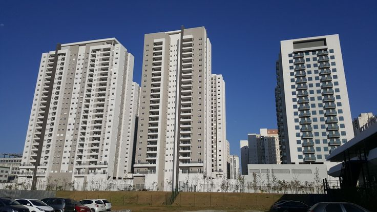 2 Agosto 2017 (15:49:26) / CIDADE VIVA - Santo André (MZM / Kinea / Odebrecht): Residential condominiums (left) and commercial towers (right)