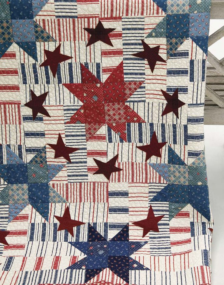 Stars and Stripes Forever quilt by Gerri Robinson