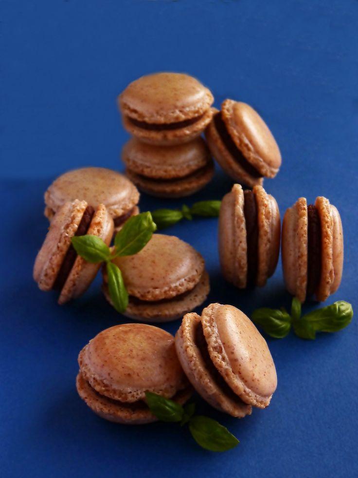 Candy's: Bazsalikomos-csokis macaron