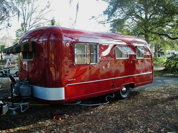 I would love to refurbish an old trailer! I've done it with houses - I think I could do it with a trailer! Google Muskoka Millwrighting and Machining and let me build one for you!