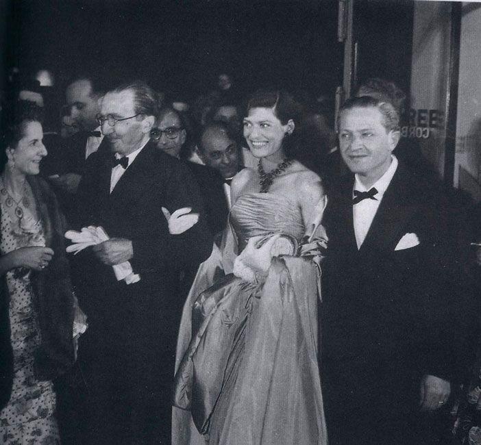 http://www.kazantzakispublications.org/gr/galleries/5.Ta_Teleftaia_Xronia_1950-1957/23.jpg