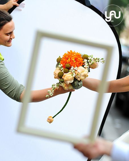 Autumn bouquet_ for International Floral Art 12-13_floral design: Elena Madalina TOADER, foto: Sebastian Moise, model: Alinda Banica http://blog.yau.ro/ #internationalfloralart #floralart #floraldesign #design #wedding #weddingflowers #bouquet #autumn #autumnflowers #modernbouquet #elenatoader #yauconcept
