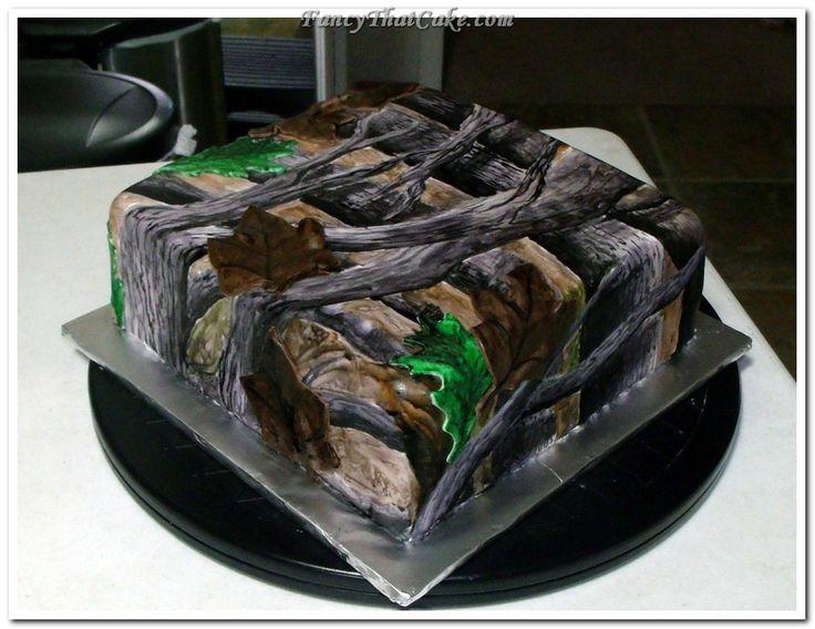 RealTree Camo And Browning Logo Groom's Cake cakepins.com