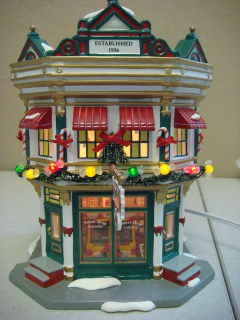 56 Best Images About: 25+ Best Ideas About Department 56 On Pinterest