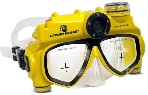 8MP Digital Underwater Camera Mask. I want to learn to SCUBA dive so I can have one of these. Might look a little strange if I used it at the country club pool.