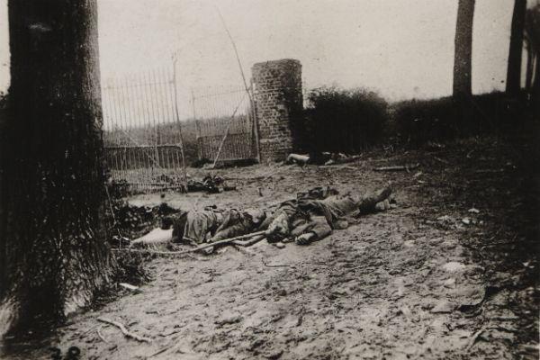 WWI, 22 april 1915, the first gas attack. French soldiers killed, north of Ypres.  Une date noire dans l'histoire de l'humanité. Au cours de la Première Guerre mondiale, l'armée allemande a pour la première fois utilisé massivement des gaz à Ypres.